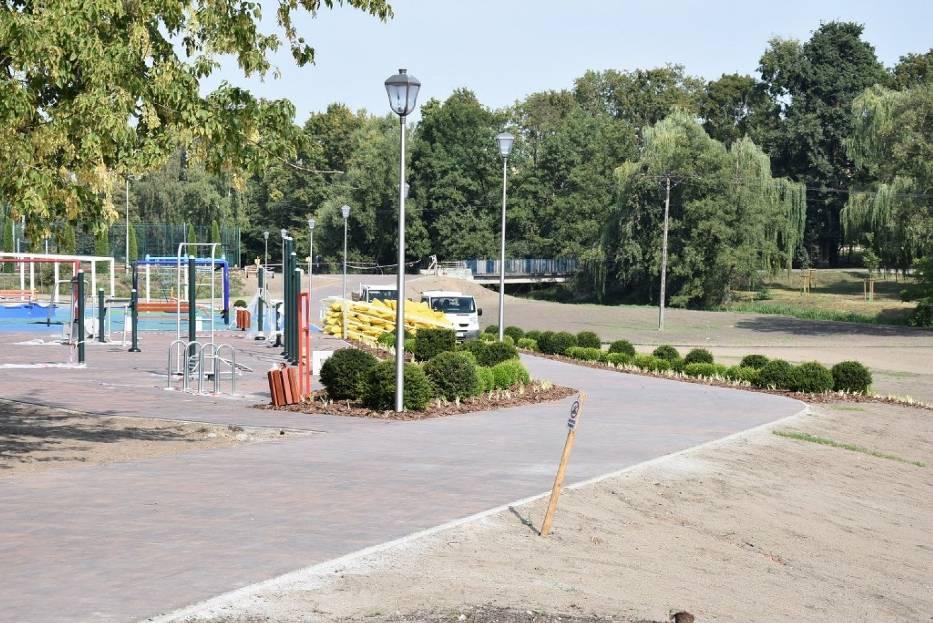 Wkrótce zakończenie prac w parku Na Waltra Łąkach. Zobacz co teraz się tam dzieje
