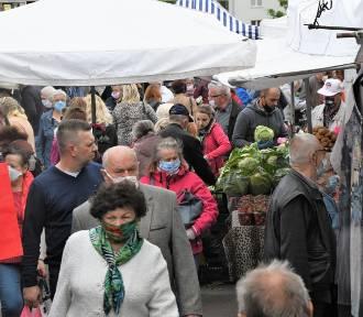 Kieleckie bazary w piątek 29 maja. Było dużo ludzi [ZDJĘCIA]
