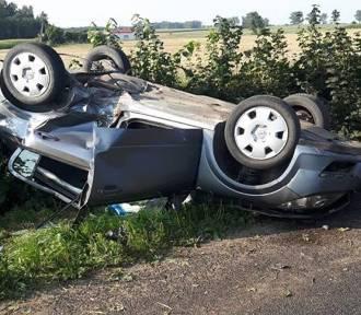 Wypadek w powiecie brodnickim. Opel astra dachował [zdjęcia]