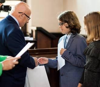 Puck: radni i burmistrz nagrodzili najlepszych uczniów. W czwartek dostaną kasę