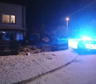 Miał 2 promile i uderzył w dom w Mokrsku. Tyle samo miał zatrzymany w Gaszynie