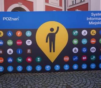 Nowe tabliczki w Poznaniu dla pasażerów MPK i turystów