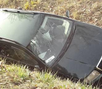 Wypadek w powiecie włocławskim. Kierowca trafił do szpitala [zdjęcia]