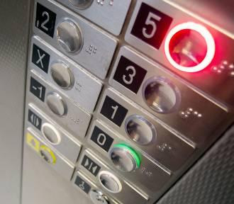 Opłata za windę w bloku przestanie być obowiązkowa? Polacy chcą zmian w ustawie