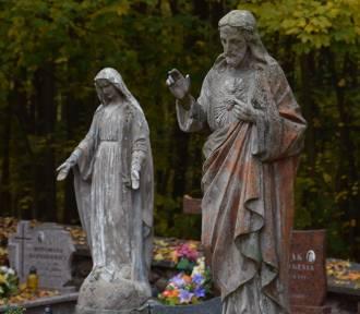 Księża i zakonnice. Tak wyglądają groby duchownych pochowanych na sokólskim cmentarzu