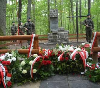 Przywracanie pamięci o ofiarach drugiej wojny w Piaskach koło Zduńskiej Woli ZDJĘCIA