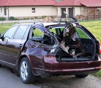 Sobczyce: Wypadek na przejeździe kolejowym. Szynobus uderzył w tył samochodu