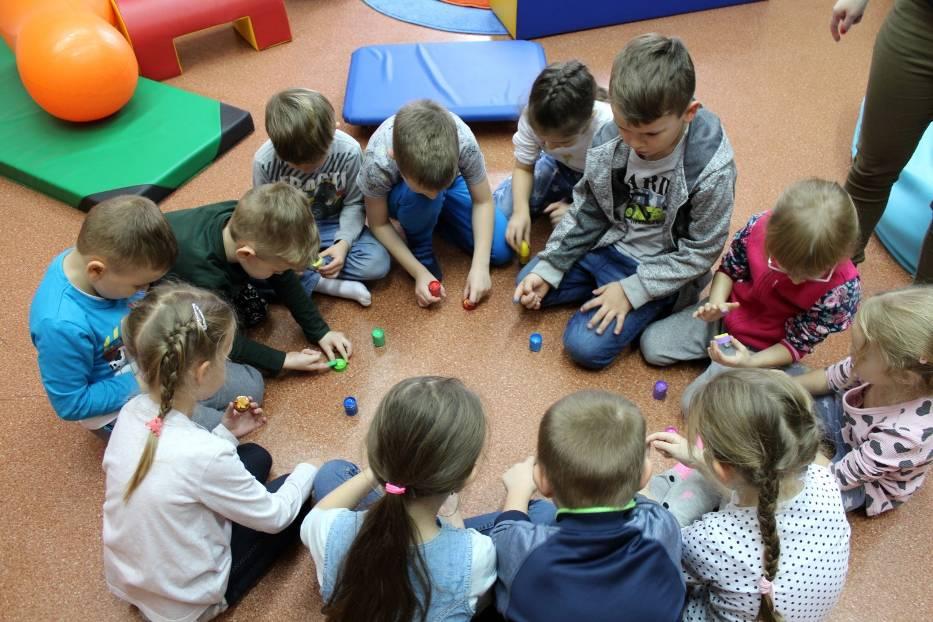Powiatową Poradnię Psychologiczno-Pedagogiczną odwiedziły Motyle