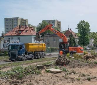 Trwa budowa trasy tramwajowej na Naramowice. Co tam się dzieje?
