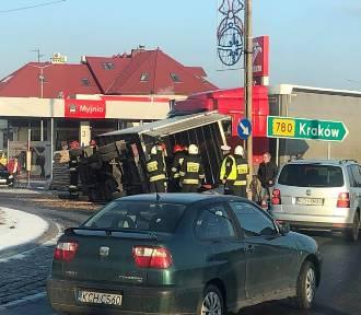 Zderzenie ciężarówki z dostawczakiem w Libiążu