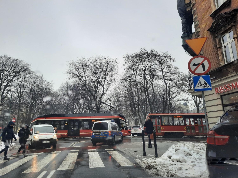 Ruch tramwajów koło Placu Miarki na ul