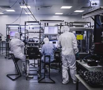 Firmy branży elektronicznej rozwijają produkcję i poszukują pracowników na pomorzu