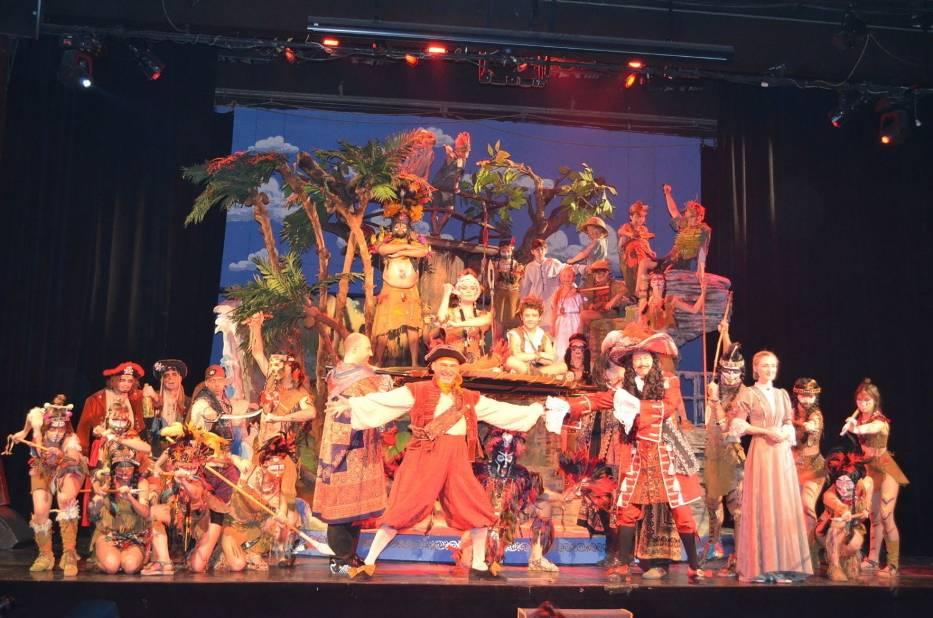 """Musical """"Piotruś Pan"""" miał swoją światową prapremierę 27 lutego 2000 roku na scenie Teatru Muzycznego Roma"""