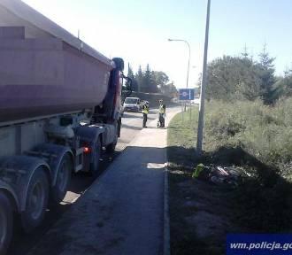 Wypadek w Ostródzie. Rowerzystka wpadła pod ciężarówkę [ZDJĘCIA]