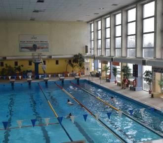 Rybnik: 14-latek utonął na basenie i dopiero po 45 minutach wyciągnięto go z wody. Ratownicy staną