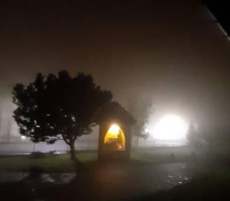 Mgła w Legnicy. Zobacz, jak tajemniczo wygląda na zdjęciach naszych Czytelników!