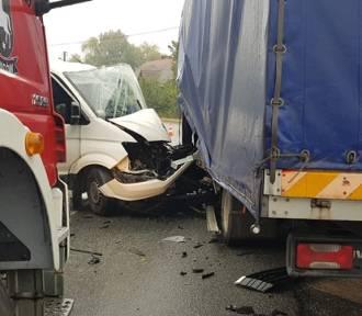 Wypadek na ulicy Kolejowej w Sycowie. Zderzyły się dwa auta (FILMY i ZDJĘCIA)