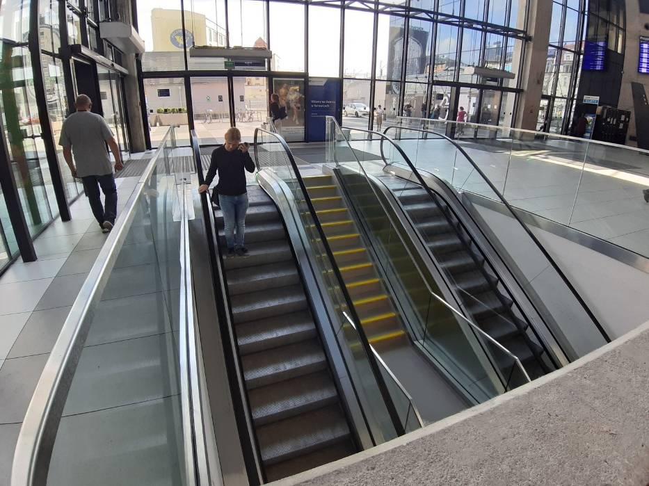Nowe ruchome schody na dworcu w Katowicach