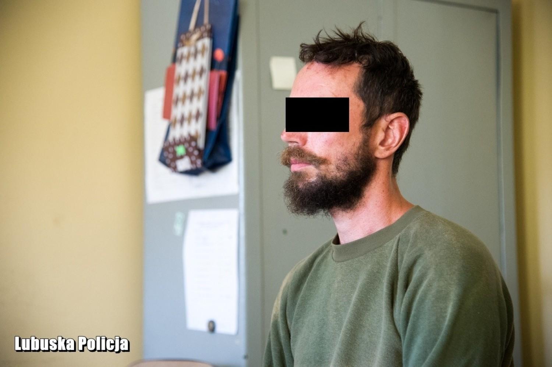 W sobotę, 3 sierpnia, z udziałem zatrzymanego 36-latka zostały przeprowadzone czynności procesowe z udziałem prokuratora