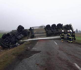 Wypadek tira na DW 409 w Dobrej. Zginął 42-letni kierowca z Zabrza