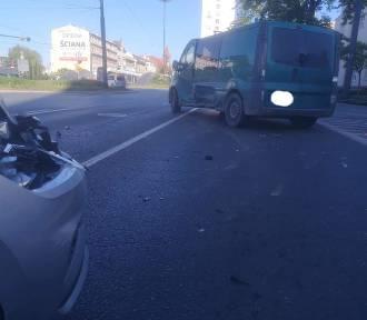 Zderzenie dwóch samochód na rondzie Jagiellonów [zdjęcia]
