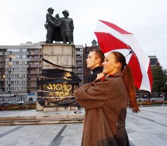 Pamiętacie legnicki plac Słowiński z pomnikiem Braterstwa Broni?