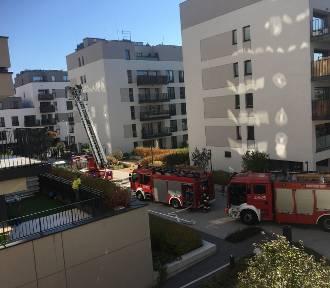 Pożar w Mordorze. Zapalił się blok mieszkalny przy Konstruktorskiej