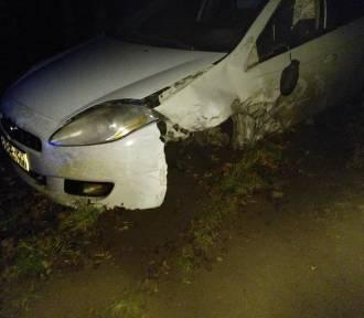 Kierowca fiata zasnął za kierownicą i zderzył się z ciężarówką