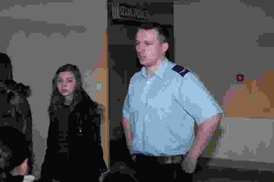 Przewodnikiem podczas zwiedzania był sierżant Mariusz Flyrkowski