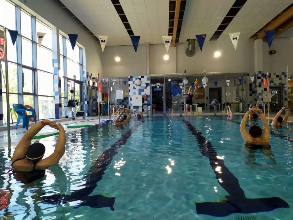 Z zajęć w wodzie dużą popularnością cieszy się aqua aerobik