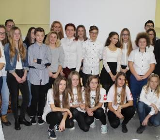 Mikołajki i dzień wolontariatu w zbąszyńskim gimnazjum