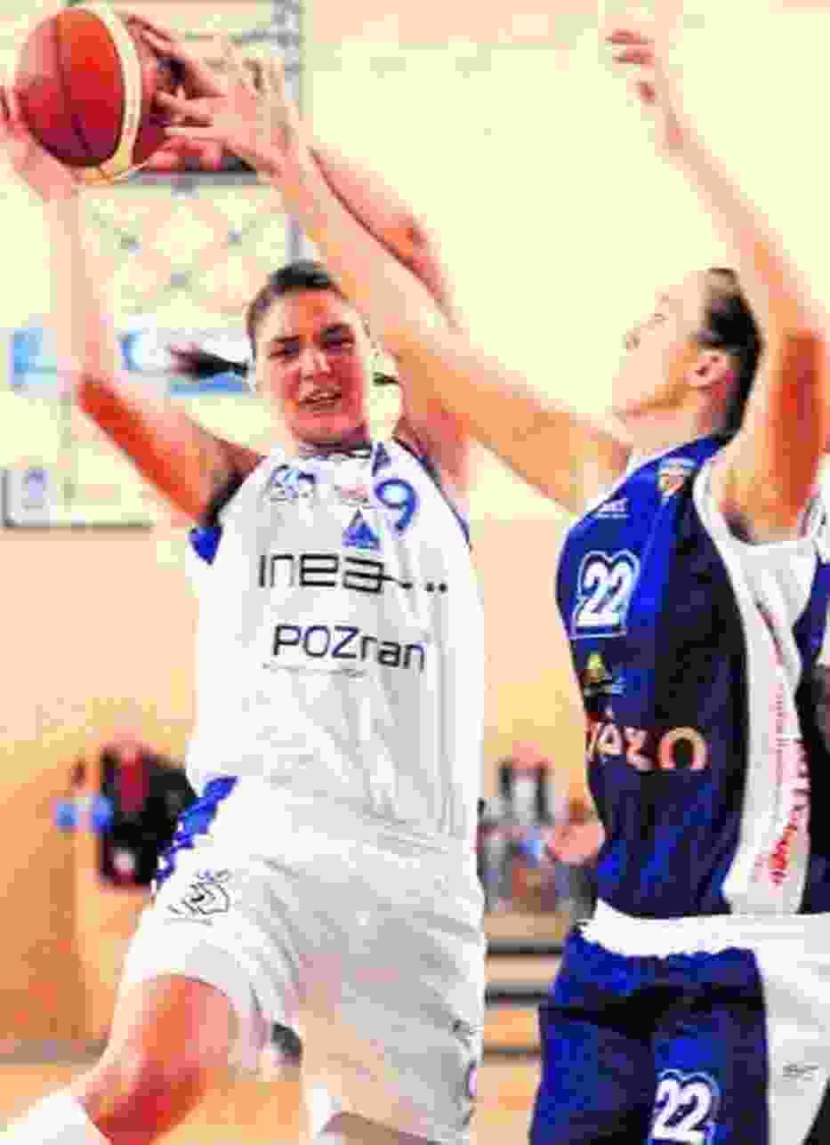 Mimo kłopotów kadrowych poznańskie akademiczki rozpoczęły sezon od pewnej wygranej na własnym boisku