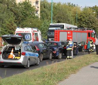 Zderzenie trzech aut osobowych na Żeromskiego w Wolsztynie - [Zdjęcia]