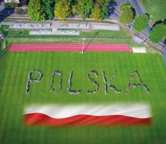 """""""Wspólnie dla Niepodległej"""" - wyjątkowy projekt uczniów ze  Szczawna-Zdroju"""
