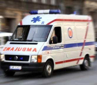 Wypadek w Siemianowicach Śląskich. 20-latek cofając dostawczakiem potrącił 79-latkę