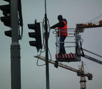 Uwaga kierowcy. We Wrocławiu likwidują sygnalizacje świetlne. Zobacz, gdzie (OTO LOKALIZACJE)