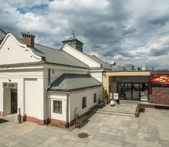 Można już zwiedzać skansen w Bóbrce i Centrum Dziedzictwa Szkła w Krośnie