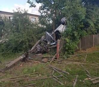 Wypadek w Błądzikowie (czerwiec 2018). Kierowca zbiegł z miejsca zdarzenia, ale później sam zgłosił