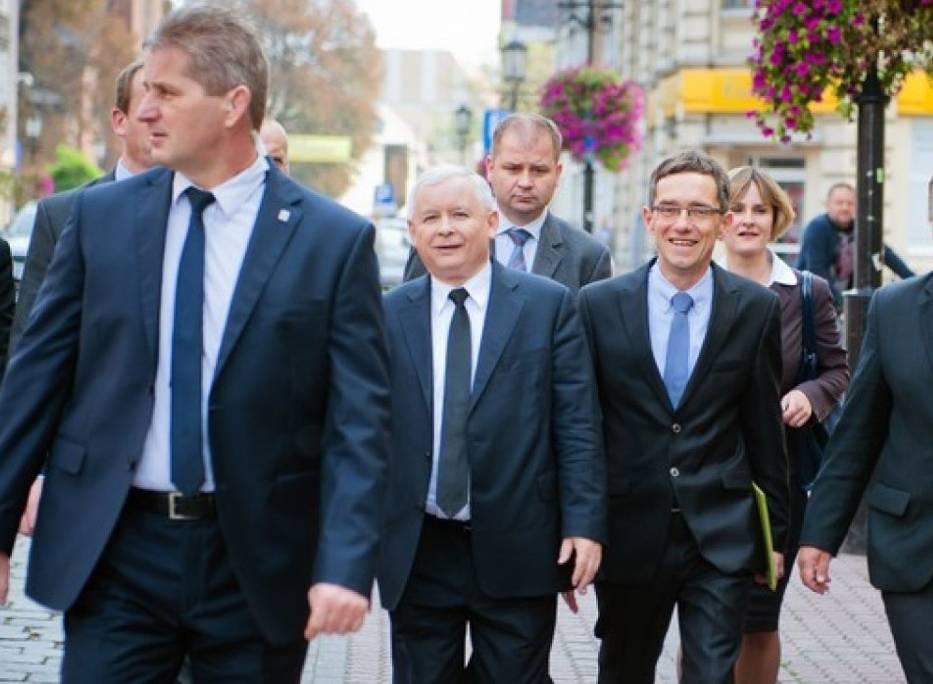 """""""Poseł Ostrowski nie powinien straszyć pacjentów"""". Izba Lekarska chce konsekwencji dyscyplinarnych dla posła PiS."""