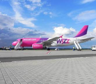Warszawa traci połączenia lotnicze. Wizz Air zawiesza na jesień trasy z Polski