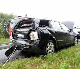 Wypadek na trasie Bonikowo - Sepno. Zderzyły się osobówka i samochód ciężarowy [ZDJĘCIA]