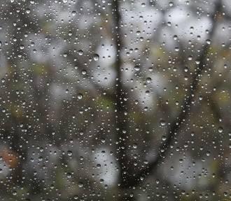 Zachmurzenie i przelotne opady deszczu w północno-zachodniej Polsce