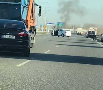 Pożar auta A1 w Gliwicach blokuje przejazd [ZDJĘCIA]