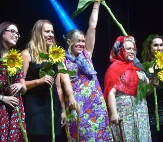 Świetny debiut lokalnego Teatru Studnia na Lubuskim Lecie Kulturalnym w Dąbiu!