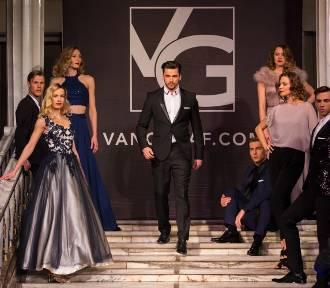 Pokaz mody Van Graaf. Modelki pojawiły się na Wielkiej Gali Polskiego Biznesu [ZDJĘCIA]