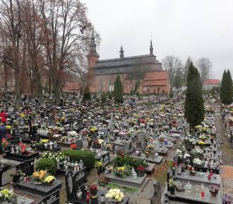 Organizacja ruchu w Kartuzach w dniu 1.11.2018 w rejonie cmentarza. Nabożeństwa 1 i 2 listopada