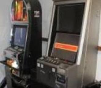 Policja rozbiła nielegalną jaskinię hazardu w Brzeźnicy