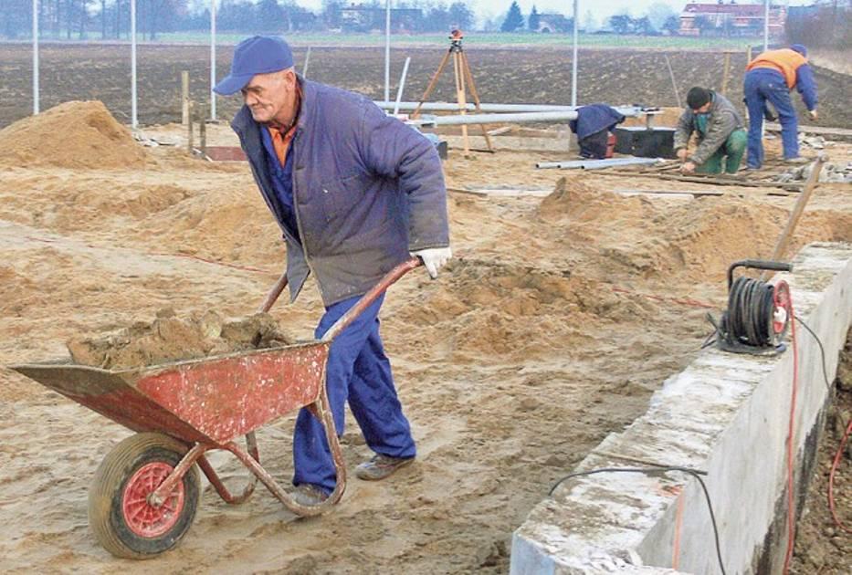 Budowa masztu Ery w Nieborowie wywołała sprzeciw sąsiadów inwestycji