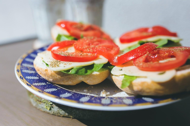 Amerykańskie kanapki mają więcej chleba