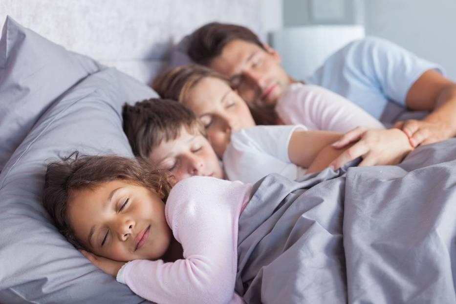Australijskie dzieci śpią z rodzicami